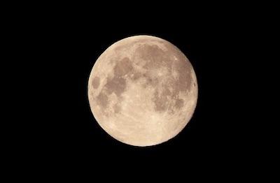 次回の満月瞑想会は10月14日(月祝)